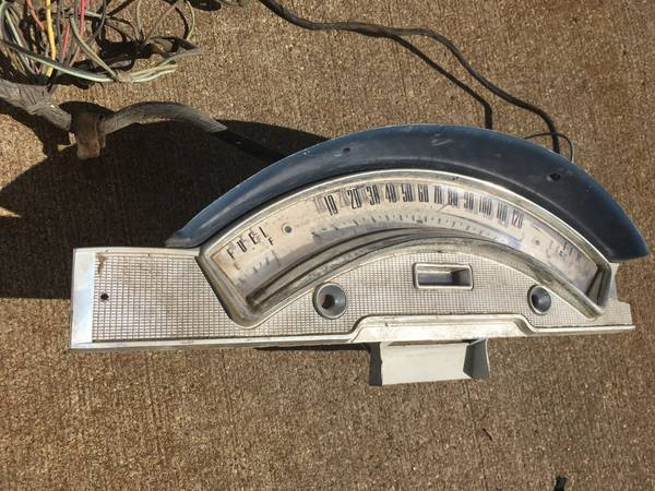 Photo 58 Ford Fairlane speedometer - $25 (Sioux Falls)