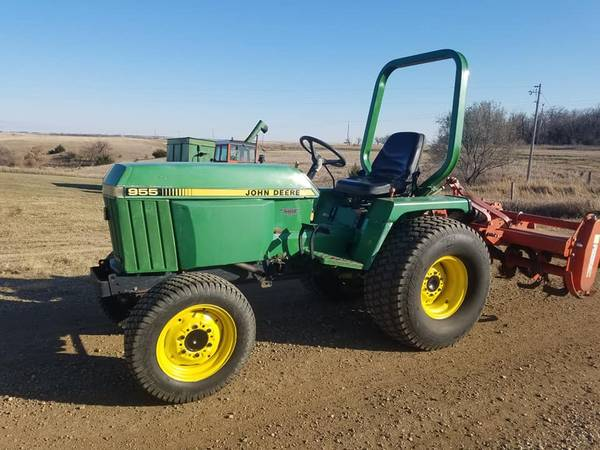 Photo 955 John Deere Tractor with Mower Deck - $9900 (Avon)