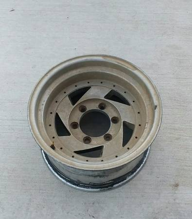 Photo Chevy wheels - $150 (Sioux Falls)