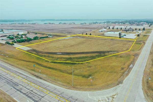 Photo Convenience Store  Commercial LAND (Lake Park)