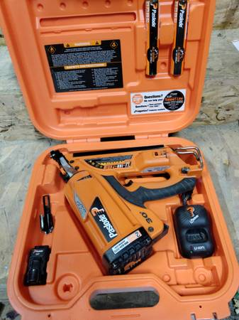 Photo Cordless Paslode 30 framing nailer - $250 (VERMILLION)