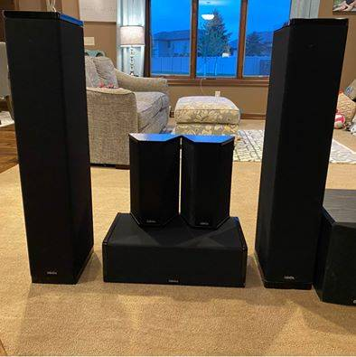 Photo Definitive Technology 5.1 Home Theater Speaker Set - $1,200 (Sioux Falls)