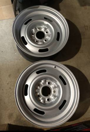 Photo ISO - 15 x 8 inch Chevy rally wheels 5x4.75 Chevy pattern - $1 (Sioux Falls)
