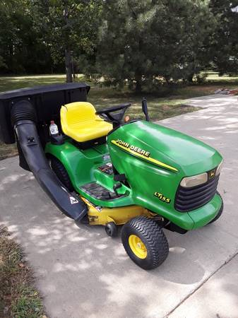 Photo John Deere LT155 mower with bagger - $850 (Hurley)