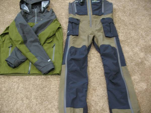 Photo Mens Cabelas Gore-Tex Raincoat And Bibs - $200 (sioux fals)