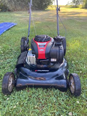 Photo Murray lawn mower $140 ObO open to trades - $140 (Brookings)