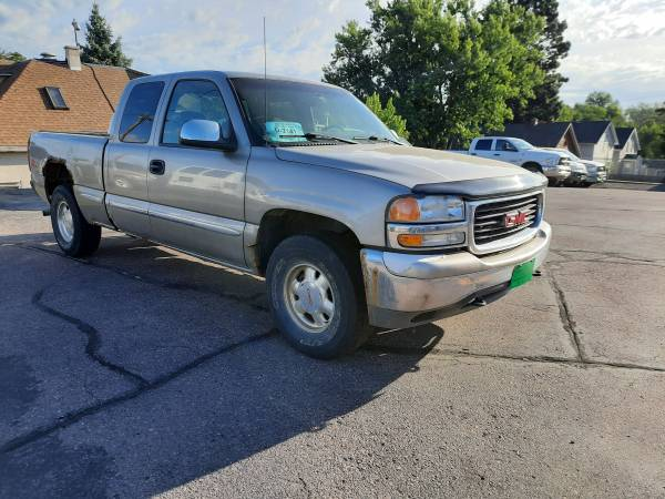 Photo Parting out 99 gmc Sierra 4wd - $1,750 (Sioux Falls)