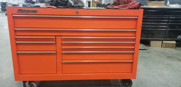 Photo Snapon tool box with tools - $22,000 (Ellsworth)