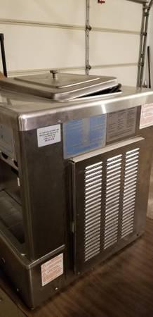 Photo Taylor Ice Cream Machine - $3200 (Sioux Falls)