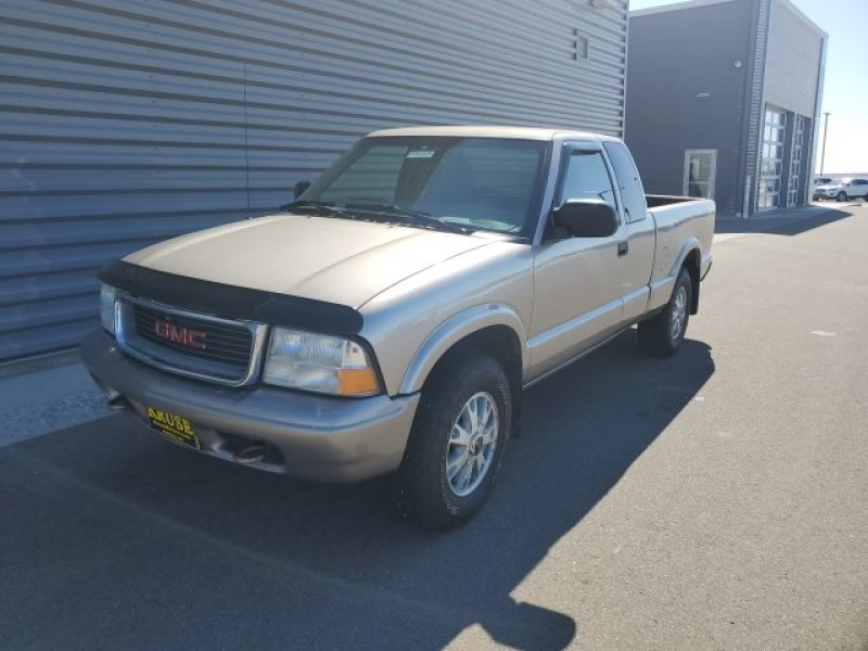 Photo Used 2002 GMC Sonoma SLS for sale
