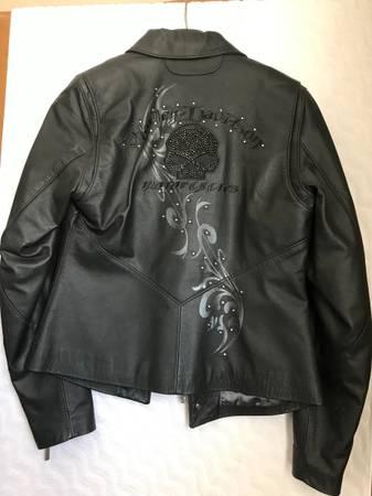 Photo Womens Harley Davidson Jacket - $300 (Sioux Falls)