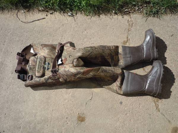 Photo Youth Size 6 Winchester Pro line Neoprene Camo Waders - $30 (Sioux Falls)
