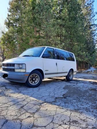 Photo 1995 Chevrolet Astro - $3,000 (McCloud)
