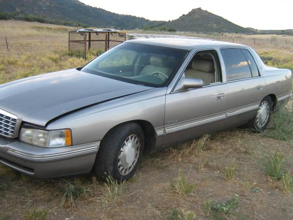 Photo 1998 CADILLAC DEVILLE - $2500 (YREKA)