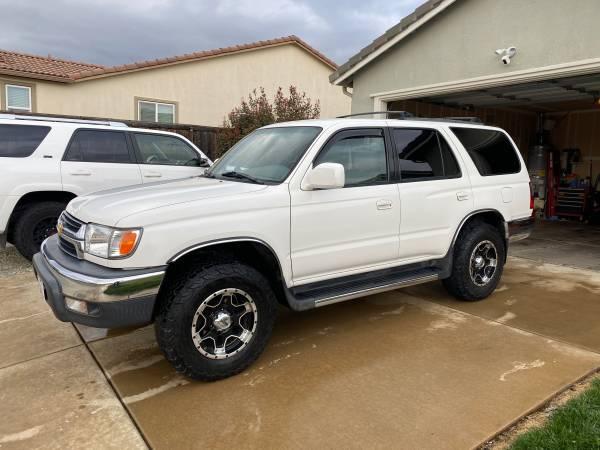 Photo 2001 Toyota 4Runner SR5 4x4 - $17,390 (Redding)