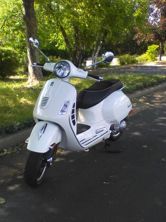 Photo 2010 Vespa gts 300 For Sale - $4,800 (Weed)