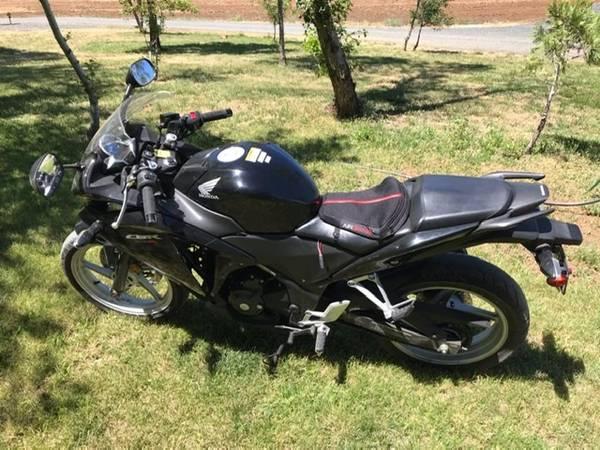 Photo 2011 HONDA CBR 250R MOTORCYCLE - $2,900 (Gold Hill)