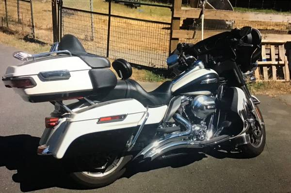 Photo 2014 Harley Davidson ultra classic - $13,200 (Crescent City, Ca.)
