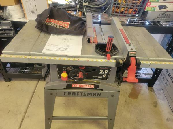 Photo Craftsman 3 HP Table Saw - $275 (Medford)