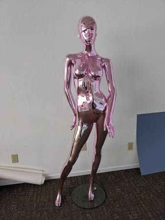 Photo Female Mannequin - Pink and white - $99 (Mount Shasta)