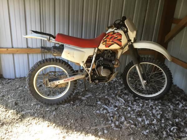 Photo Honda 1900 200 trail bike - $1,500 (Mount Shasta)