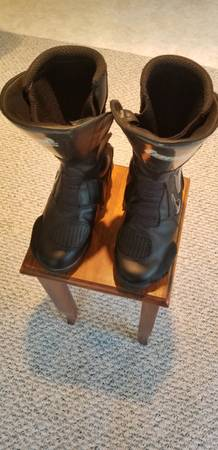 Photo Motorcycle moto-cross boots - $85 (Wilderville)
