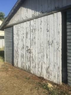 Photo SLIDING BARN OR GARAGE DOORS - $400 (Medford)