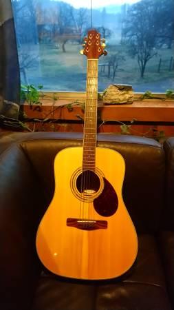 Photo Samick (Greg Bennett) Guitar - $100 (Fort Jones)