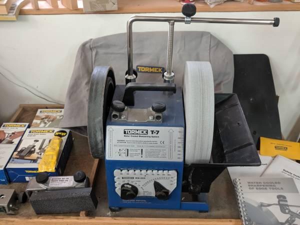 Photo Tormek T-7 (barely used) Sharpening system - $550 (Fort Jones)