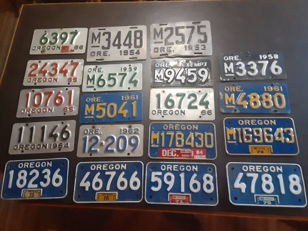 Photo Wanted to buy old motorcycle license plates - $300 (Elmira)