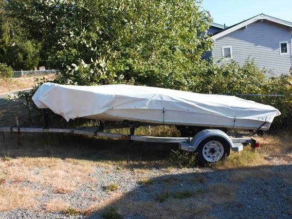 Photo 14 ft aluminum fishing boat - $2,500 (Camano Island)