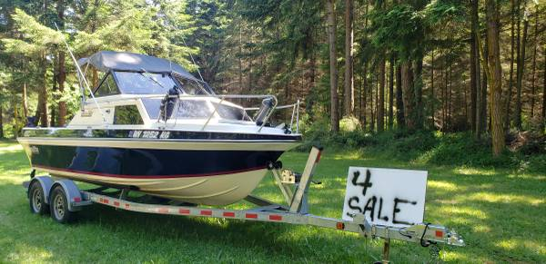 Photo 2017 Suzuki DF 140A outboard on a 1985 19ft. Glassply - $19,500 (Whidbey Island)