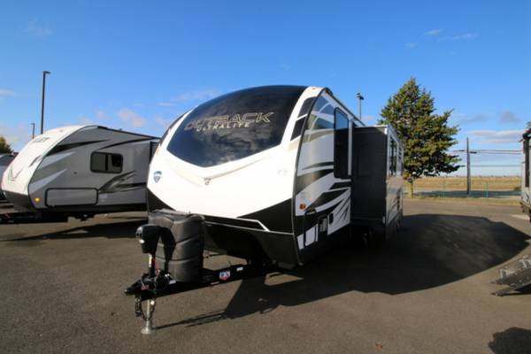 Photo 2021 KEYSTONE OUTBACK ULTRA-LITE 221UMD Travel Trailer - $33,995 (Cing World of Burlington)