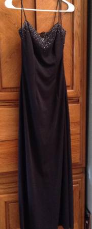 Photo Black Formal wdiamond like sequins cascading down the back Size 34 - $10 (Mount Vernon)