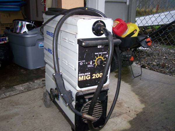 Photo Chicago electric 200  mig welder - $200 (Sedro Woolley)
