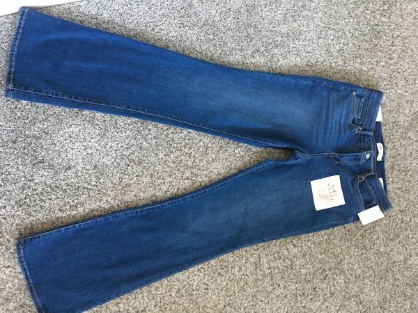 Photo Jessica Simpson boot cut jeans - $25 (Mount Vernon)