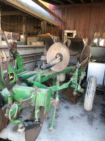 Photo John Deere three bottom rollover plow - $3500 (Mount Vernon)