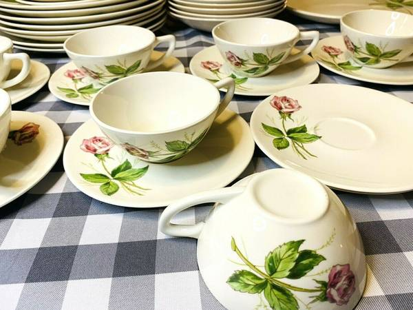 Photo Knowles quotTea Rosequot Beautiful Fine China Vintage 51 Piece Set USA Made - $220 (SEDRO WOOLLEY)