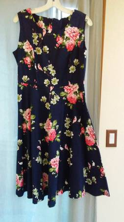 Photo New Navy Floral Fit and Flare Swing Dress A-line Sz 12 Reduced - $12 (Anacortes)