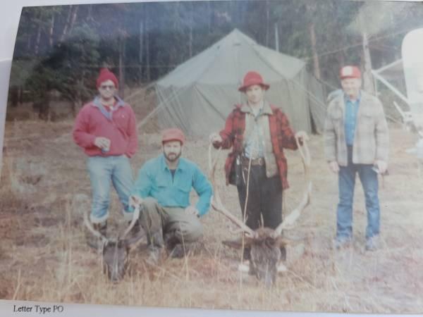 Photo OCTAGON ARMY TENT w STOVE - $550 (Mount Vernon)