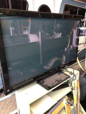 Photo Panasonic 55 plasma TV - $50 (Mount Vernon)