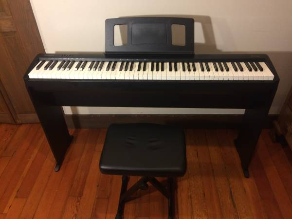 Photo Roland FP-10 Piano Keyboard  Fitted Stand  Padded Piano Bench - $500 (Langley)