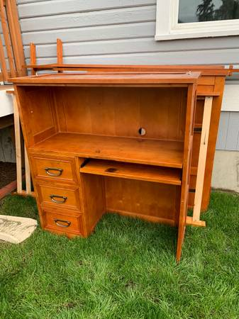 Photo Solid wood twin Loft bed - $200 (Mount Vernon)