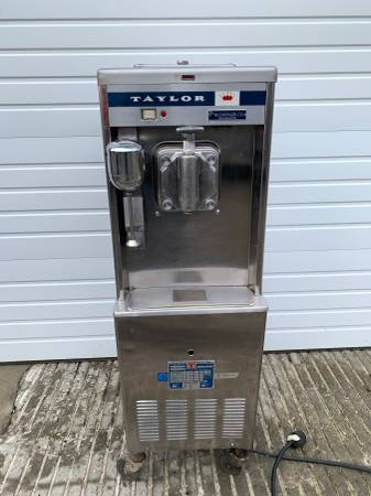 Photo Taylor Soft Serve Ice Cream Machine - $950 (Bellingham)