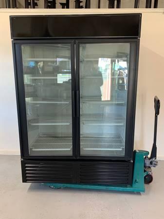 Photo True Double Glass Door Refrigerator - $1,400 (Bellingham)