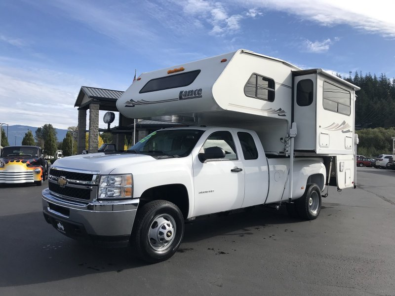 Photo Used 2011 Chevrolet Silverado 3500 4x4 Extended Cab for sale