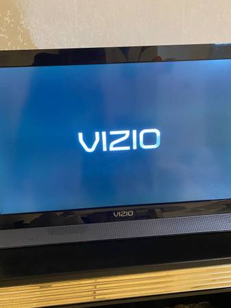 Photo Vizio 22 TV - $50 (Mount Vernon)