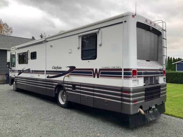 Photo Winnebago Chieftain Diesel Pusher Motorhome - $33,000 (Mt.Vernon)