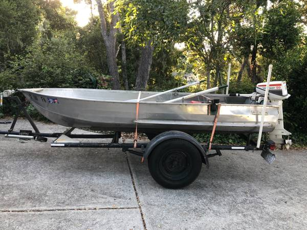Photo 1239 1973 Sears Roebuck Aluminum Fishing Boat with 9.9 Johnson Outboard - $2,200 (Paso Robles)