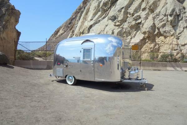 Photo 1962 Airstream - $42700 (Ventura County)